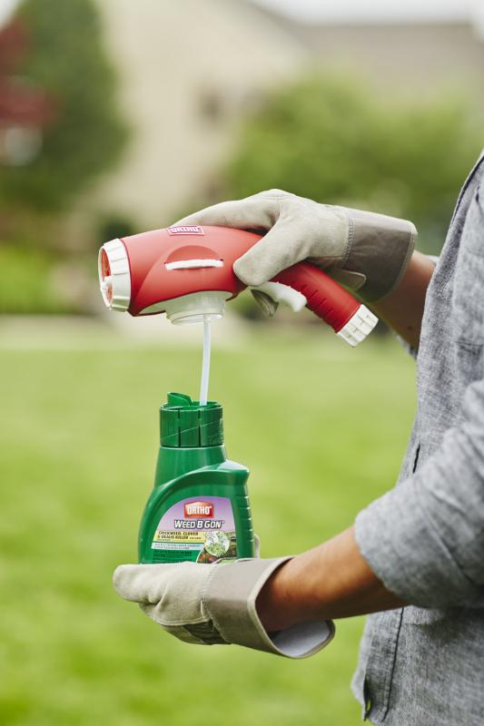 Ortho® Weed B Gon® Chickweed, Clover & Oxalis Killer For Lawns Concentrate Dual Action Sprayer Setting on Bottle